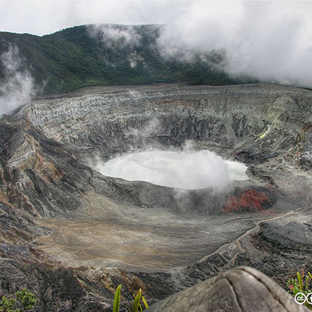 """""""volcan poas costa rica 2007 003"""" by julianmonge-najera is licensed under CC BY 2.0"""